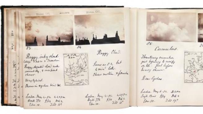 Álbum del estudioso escocés Abercromby, con fotos de las nubes de Londres a finales del siglo XIX