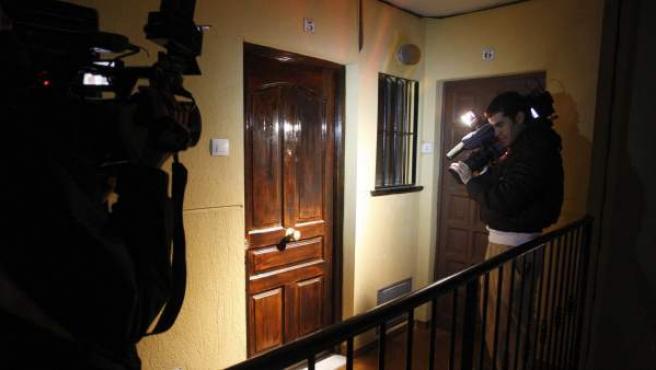 Puerta del apartamento donde se ha producido el crimen.
