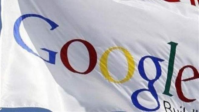 Bandera con el logotipo de Google.