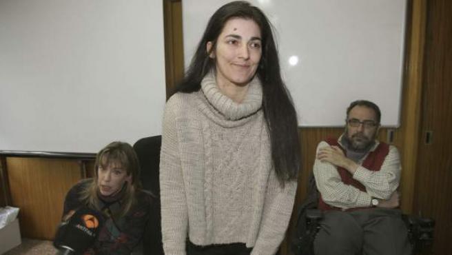 Azucena Ortega informa sobre la decisión de un juez de imputarla al negarse a escolarizarlo en un centro especial.