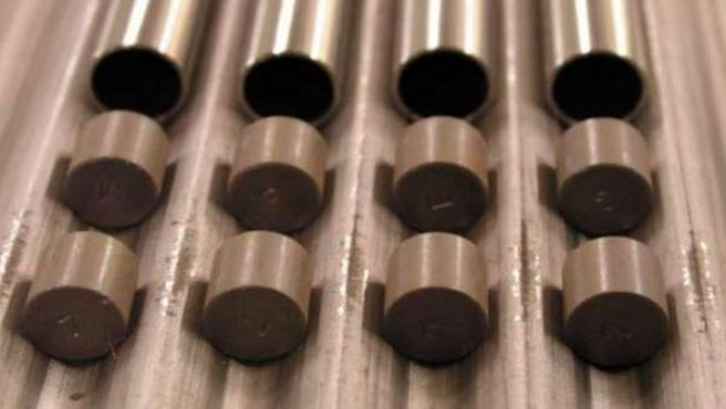 Fofografía de archivo de una partida de pastillas de uranio.