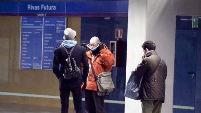 Frío en la estación de Rivas Futura del metro.