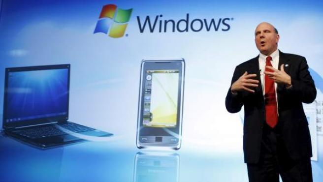Steve Ballmer, presidente de Microsoft, durante su intervención en el Mobile World Congress de Barcelona en 2009.