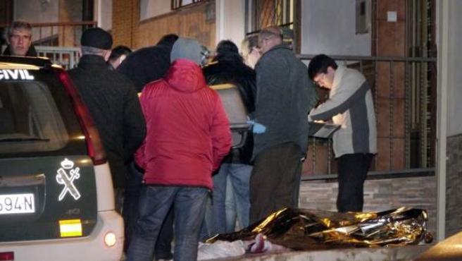 Una mujer de 45 años ha muerto esta noche apuñalada por su exmarido, de 52 años en Noguerones, una población cercana a Alcaudete (Jaén).