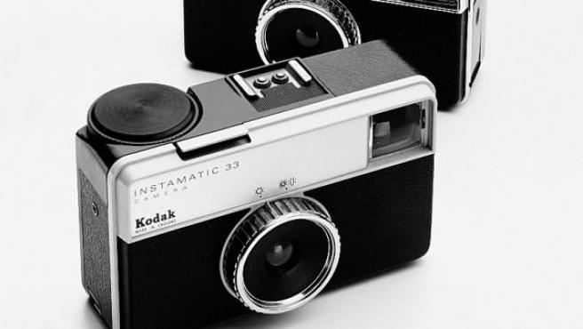 La compañía Kodak se hizo muy popular por algunos de sus modelos de cámaras analógicas que aunaban diseño estético y facilidad de uso.