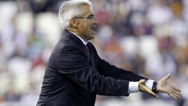 El entrenador Fabri da instrucciones en una imagen de archivo.