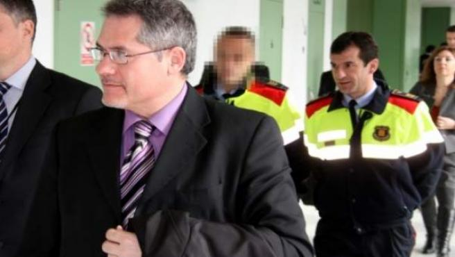 David Bordas, jefe de antidisturbios, saliendo del juzgado.