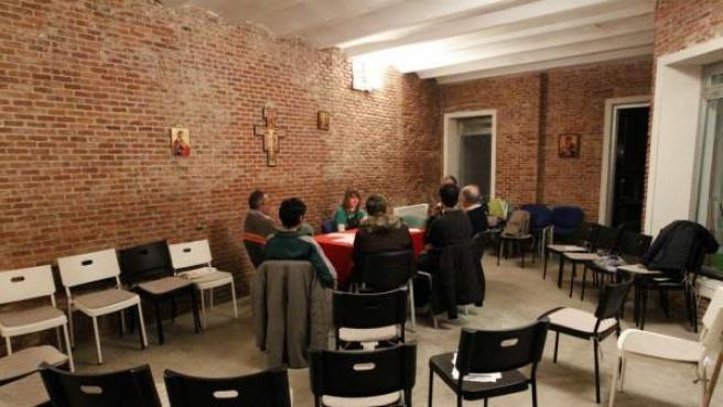 Reunión en la asociación de Crismhom.
