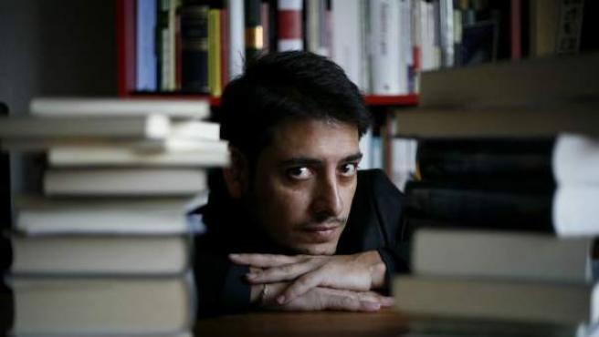 'Tendríamos que haber venido solos' ha sido galardonada con el Premio Nuevo Talento Fnac de Literatura 2012.