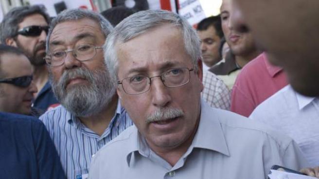 Los líderes sindicales Ignacio Fernández Toxo (CC OO) y Cándido Méndez (UGT) en la manifestación convocada el 6 de septiembre en Madrid.