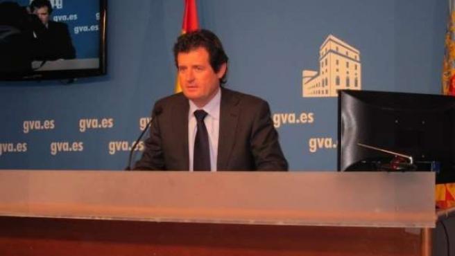 José Císcar En La Rueda De Prensa Tras El Pleno Del Consell