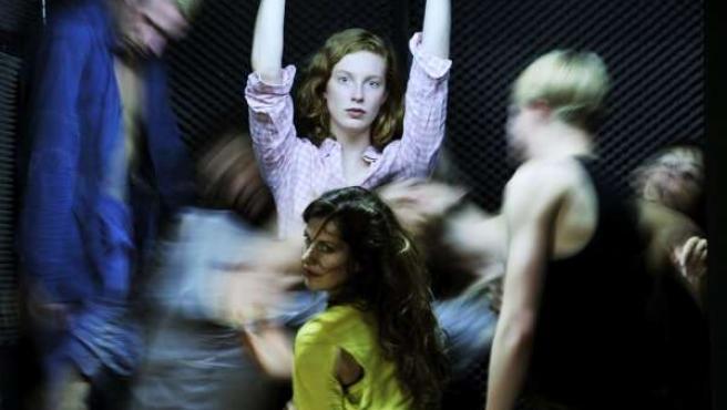 El Teatro Central Acoge El Estreno Nacional De 'Protect Me'