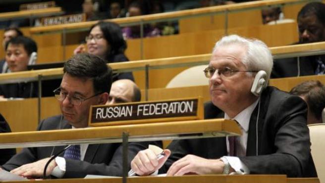 El representante de Rusia ante la ONU durante la reunión de la Asamblea General en la que se aprobó una resolución que condena la violencia en Siria con el voto en contra ruso.