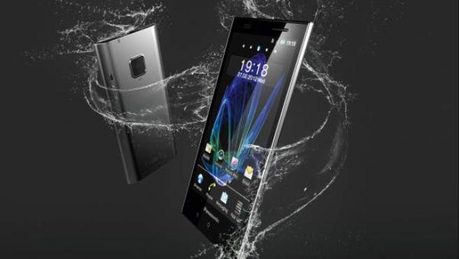 El 'smartphone' Eluga se puede sumergir hasta 1 metro bajo el agua durante 30 minutos.