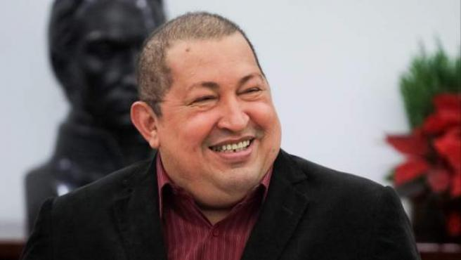Fotografía cedida por el Palacio de Miraflores que muestra al presidente venezolano, Hugo Chávez, mientras participa en una reunión con su gabinete de trabajo en Caracas (Venezuela).