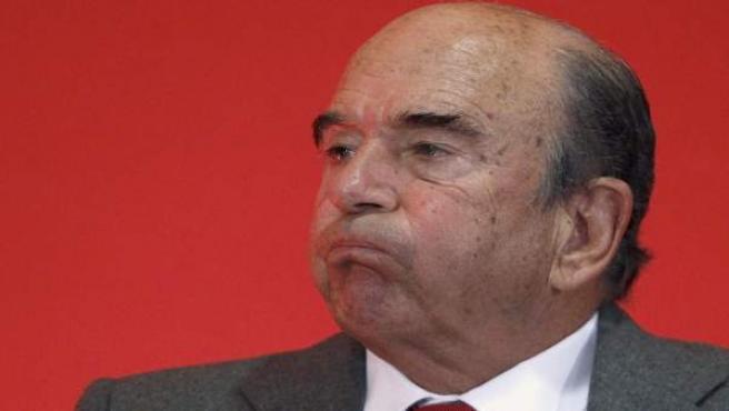 El presidente del Banco Santander, Emilio Botín, resopla durante la presentación de los resultados de la entidad financiera.