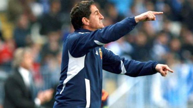Manolo Jiménez, entrenador del Zaragoza, durante el partido ante el Málaga.