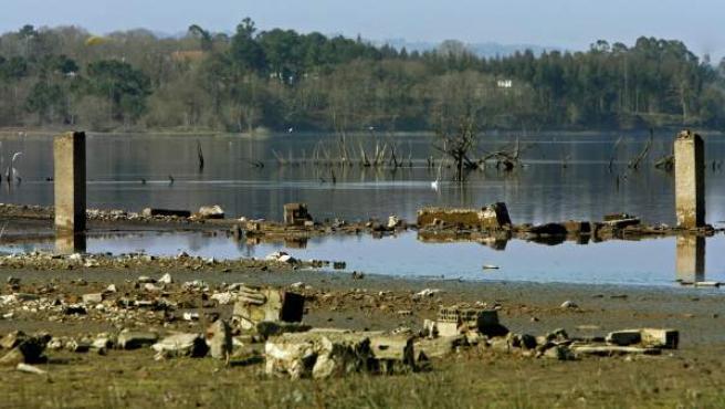 Embalse de Cecebre, en el concello coruñés de Cambre, donde la sequía ha dejado los niveles de los pantanos por debajo de los habituales.