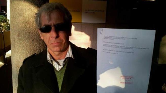 El músico y miembro de la SGAE Eme Navarro presenta las primeras denuncias contra webs de enlaces ante la Comisión de Propiedad Intelectual de la ley Sinde-Wert.