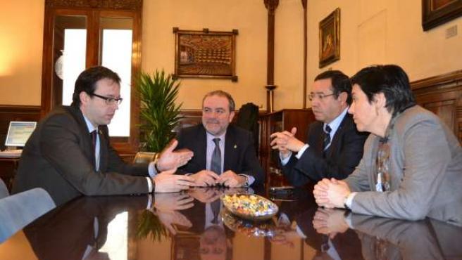Reunión Presidida Por El Presidente De La Diputación De Lleida, Joan Reñé