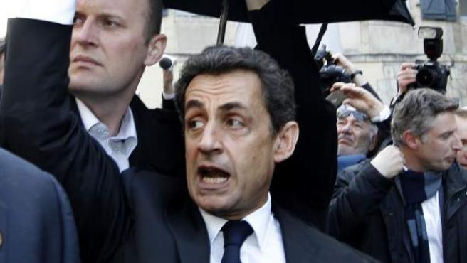 El presidente de Francia, Nicolas Sarkozy, increpado en Bayona.