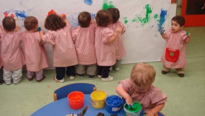 Infants d'una de les escoles bressol de la Zona Franca.