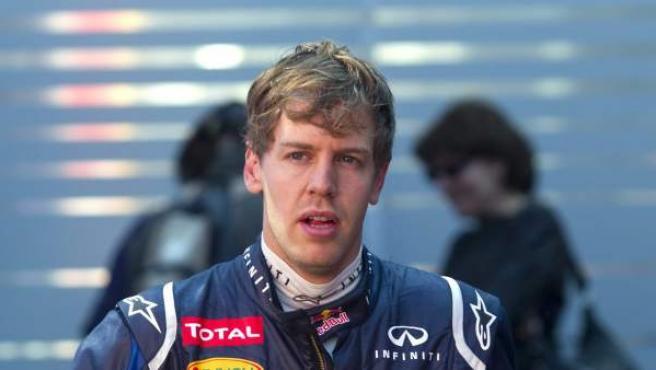 Vettel, en el paddock de Montmeló.