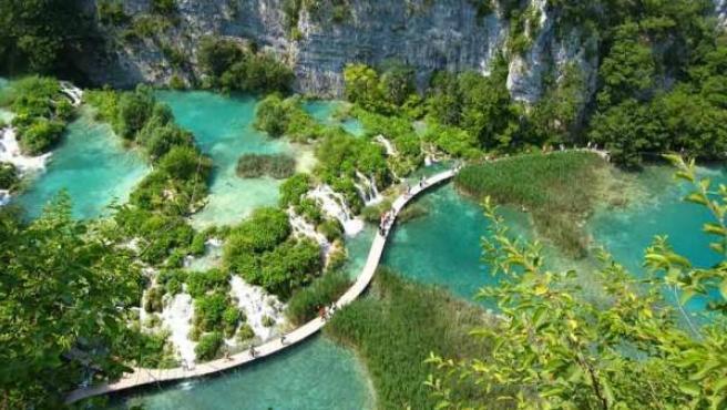 El Parque Nacional de Plitvice lo componen 16 lagos.