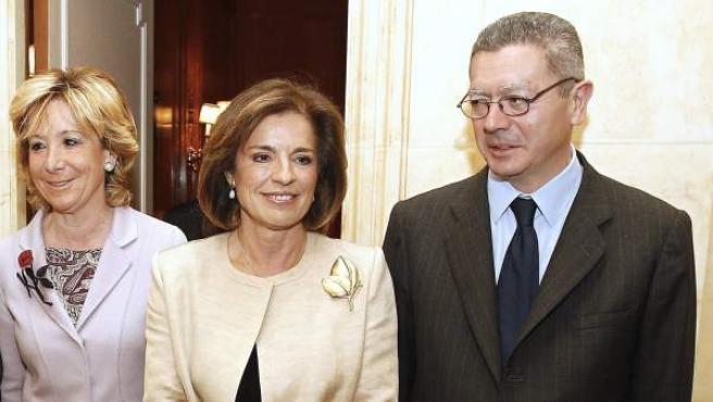 Botella, junto a Aguirre y Gallardón este jueves en el Foro Nueva Economía.