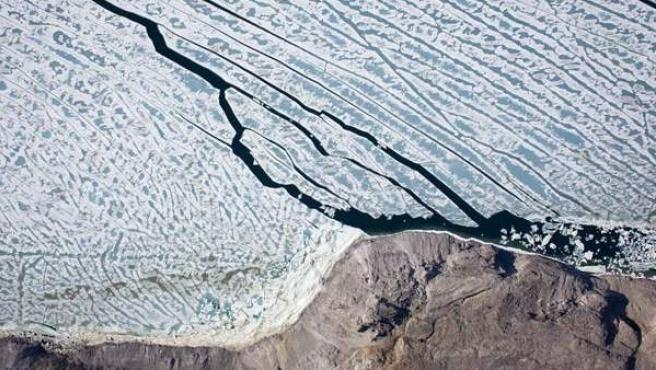 La imagen muestra un glaciar de Groenlandia de más de 250 kilómetros cuadrados de superficie que se separó de la isla en agosto del año 2010.