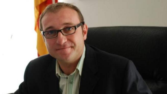 Bernat Pellisa, alcalde de Rasquera (Tarragona), que ha impulsado una plantación de cannabis en su municipio como recurso contra la crisis.