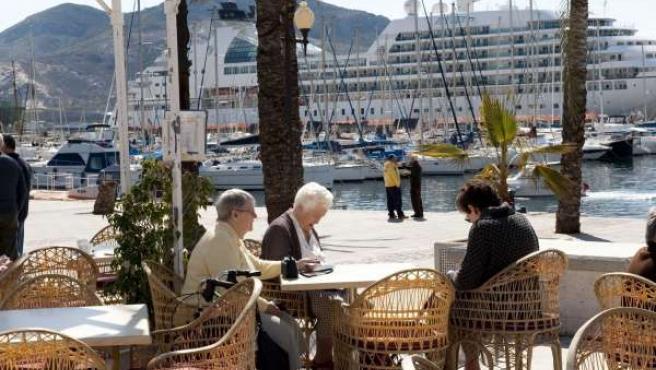 Turistas Toman La Ciudad De Cartagena