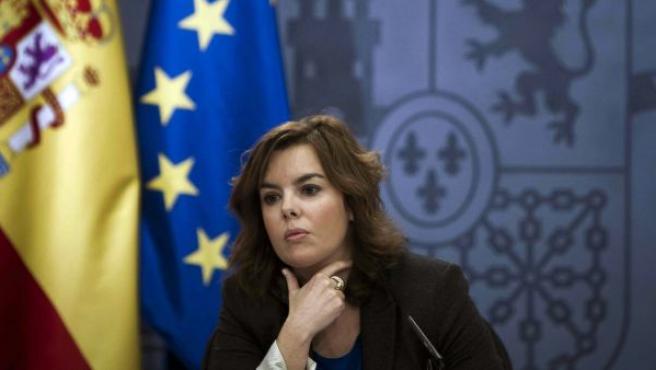 Soraya Sáenz de Santamaría, en un momento de la rueda de prensa posterior al Consejo de Ministros de este viernes.