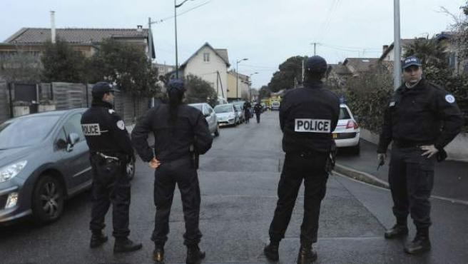 Operativo policial entorno al supuesto pistolero que ha asesinado a varias personas en el sur de Francia, en Toulouse.