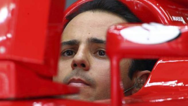 El piloto de Ferrari, Felipe Massa, durante los entrenamientos en Sepang.