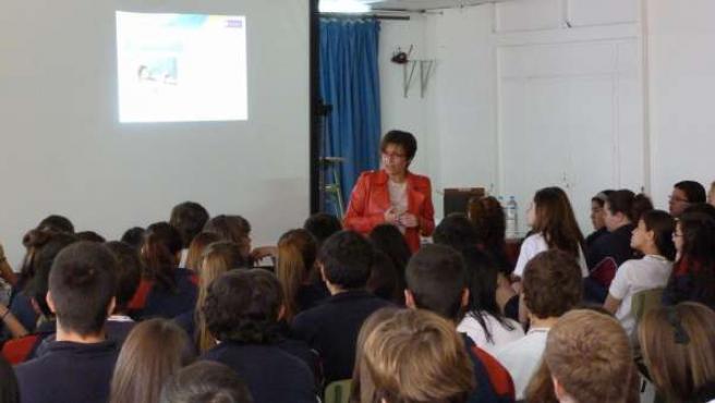 Elena Máñez Visita El Colegio Echeyde II