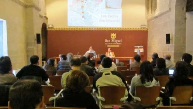 Una De Las Sesiones Del Seminario En Uncastillo (Zaragoza)