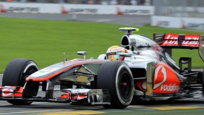 El piloto británico, Lewis Hamilton, lidera la primera calificación de la F1 del año