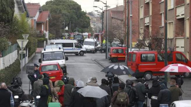Momento en que la policía acorraló al autor del tiroteo en un colegio judío de Toulouse, Mohamed Merah, que falleció en su casa tras oponer resistencia a la policía.
