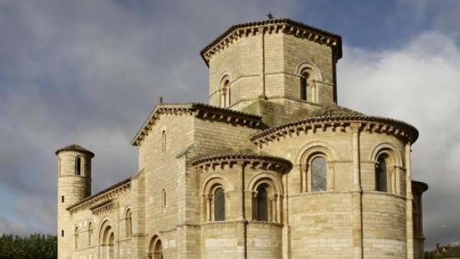 Iglesia románico palentino en Frómista (Palencia)