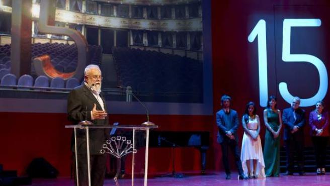 El presidente del jurado del Festival de Cine Español de Málaga, Gonzalo Suárez, durante la gala inaugural del Festival de Cine de Málaga,c en el Teatro Cervantes.