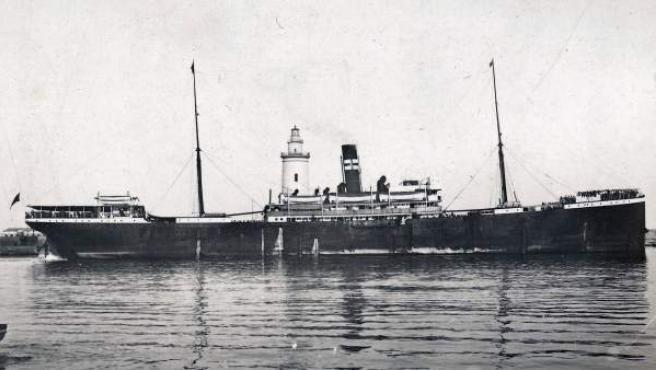 Foto, sin fechar, del barco español Valbanera zarpando del puerto de Málaga.