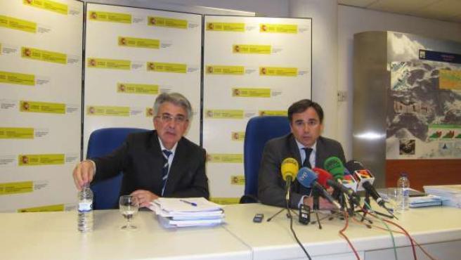 Manuel Omeda Y Xavier De Pedro En La CHE