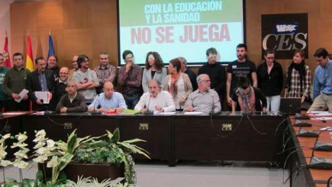 Representantes De Las Distintas Organizaciones Firmantes Del Manifiesto.