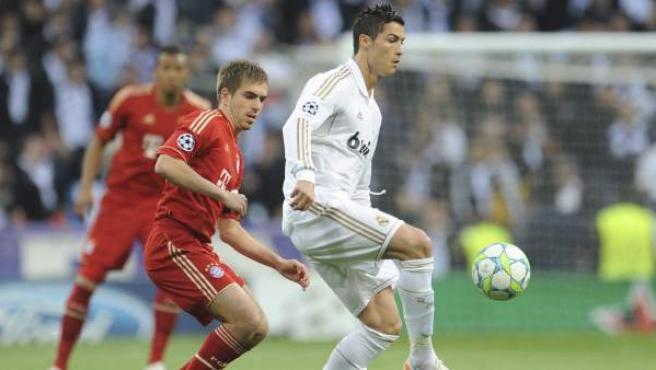 Cristiano Ronaldo y Lahm en el Real Madrid - Bayern.