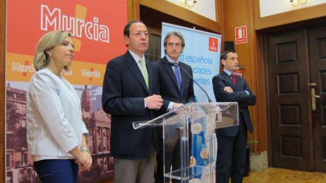 El Alcalde De Santander Y Presidente De La RECI Junto Al Alcalde De Murcia