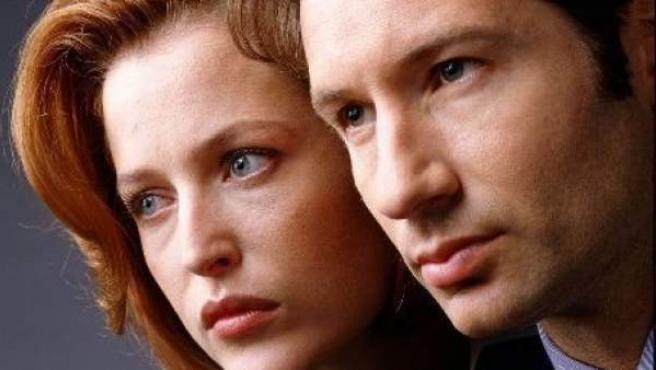 Los actores David Duchovny y Gillian Anderson.