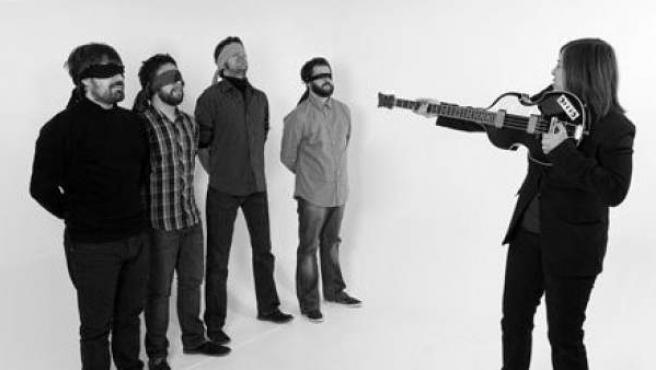 Los integrantes de la banda zaragozana The Patinettes.