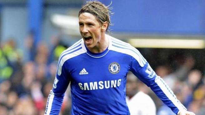 El delantero español Fernando Torres celebra un gol con el Chelsea.