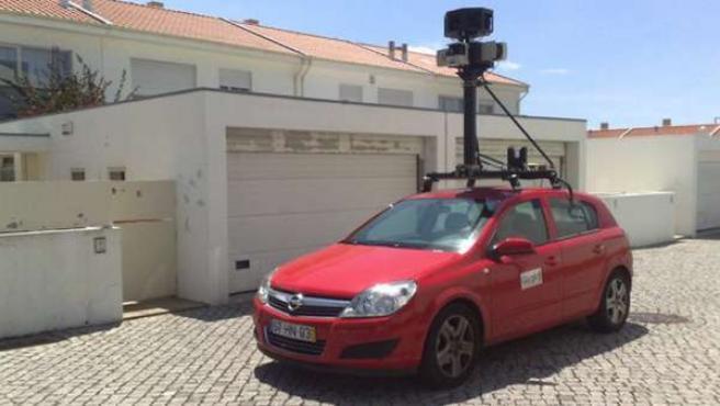 Uno de los coches que Google emplea para crear Street View.